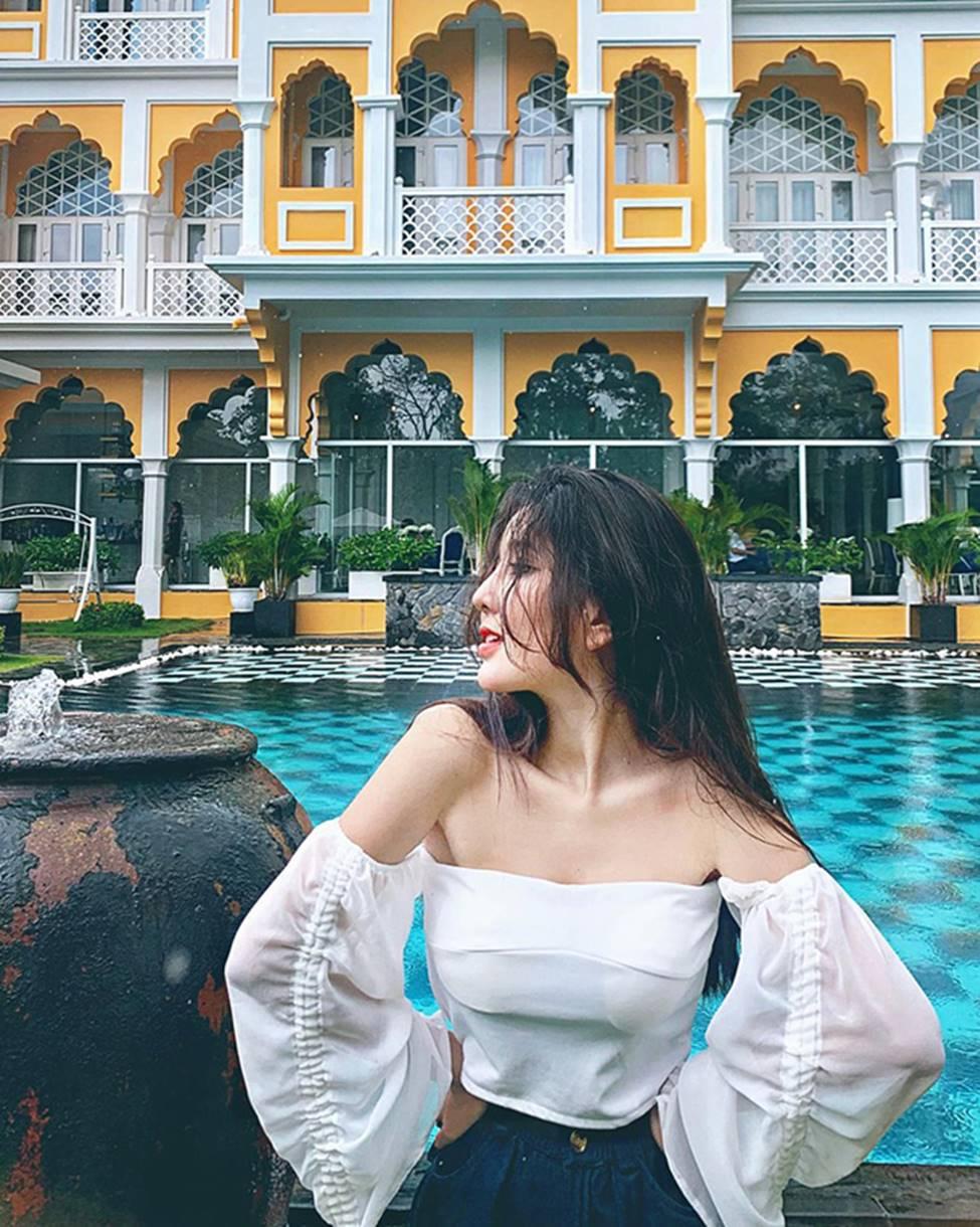 Mặc cho scandal điểm thi đại học thấp, hot girl Sài thành vẫn đăng ảnh gợi cảm thả thính-6