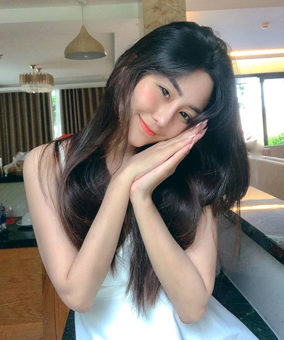 Mặc cho scandal điểm thi đại học thấp, hot girl Sài thành vẫn đăng ảnh gợi cảm thả thính-19