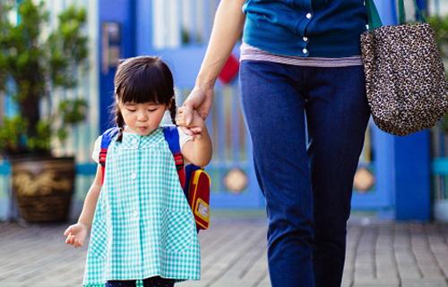 Cách dạy tự nhiên của bà mẹ không sợ con thua từ vạch xuất phát-1