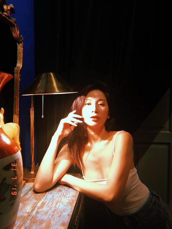 Trước là hotgirl vạn người mê, giờ là hot mom, mỹ nhân này vẫn ghi điểm nhờ mặc đẹp-6