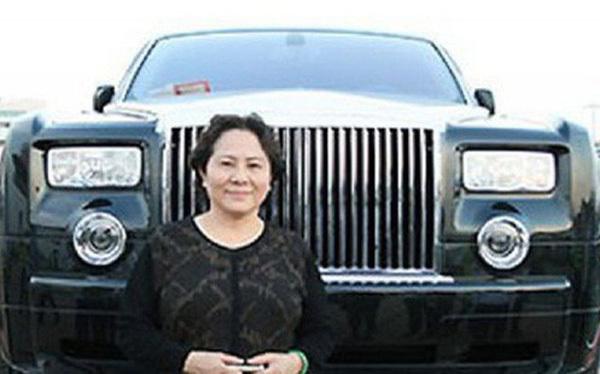 Nữ đại gia cưỡi Rolls-Royce, bệnh tật phá sản, cuối đời xộ khám-4