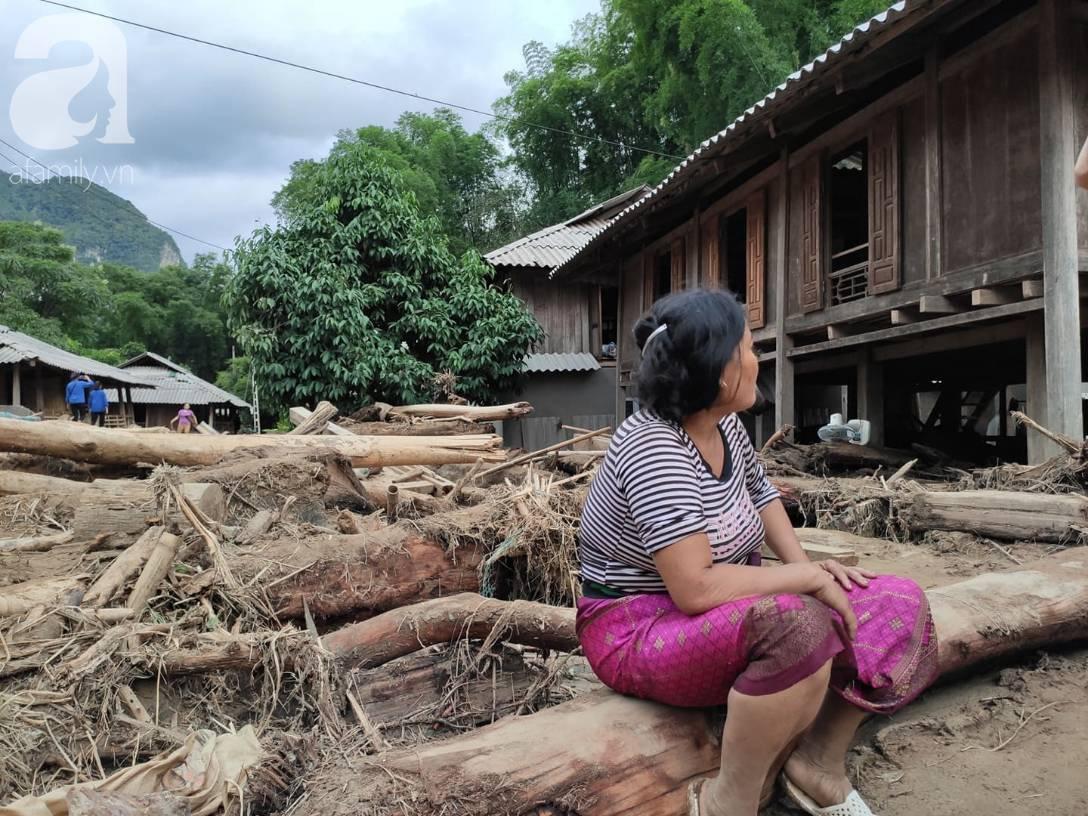 Ám ảnh tiếng khóc nghẹn của người dân vùng lũ, 12 người vẫn chưa trở về nhà: Con tôi còn nhưng bố mẹ bị nước cuốn cả rồi-2