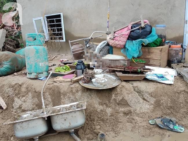Ám ảnh tiếng khóc nghẹn của người dân vùng lũ, 12 người vẫn chưa trở về nhà: Con tôi còn nhưng bố mẹ bị nước cuốn cả rồi-16