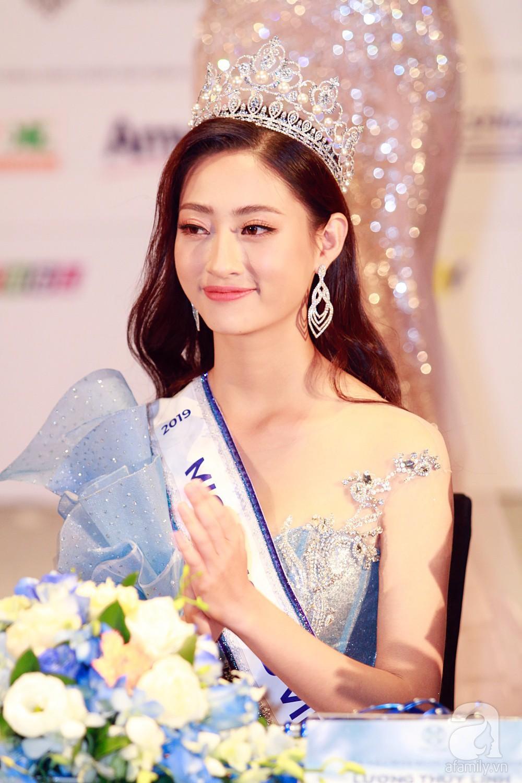 Con gái có thành tích học tập khiến ai cũng choáng, mẹ Hoa hậu Lương Thùy Linh nói 1 câu hé lộ phương pháp dạy con tài sắc vẹn toàn-1