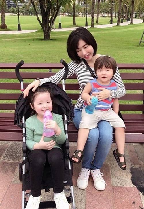 Bà mẹ gợi cảm bậc nhất showbiz Elly Trần lại trổ tài làm món kinh điển của người Hà Nội-1