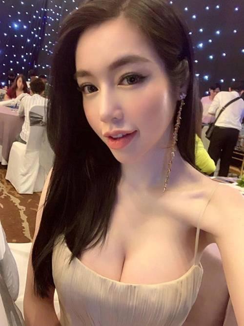 Bà mẹ gợi cảm bậc nhất showbiz Elly Trần lại trổ tài làm món kinh điển của người Hà Nội-2
