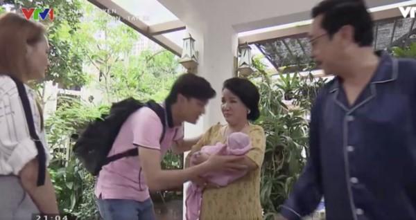 Về nhà đi con: Vũ vừa trở về đã gây bất ngờ với khoảnh khắc bố nào con nấy cùng cu Bon-2
