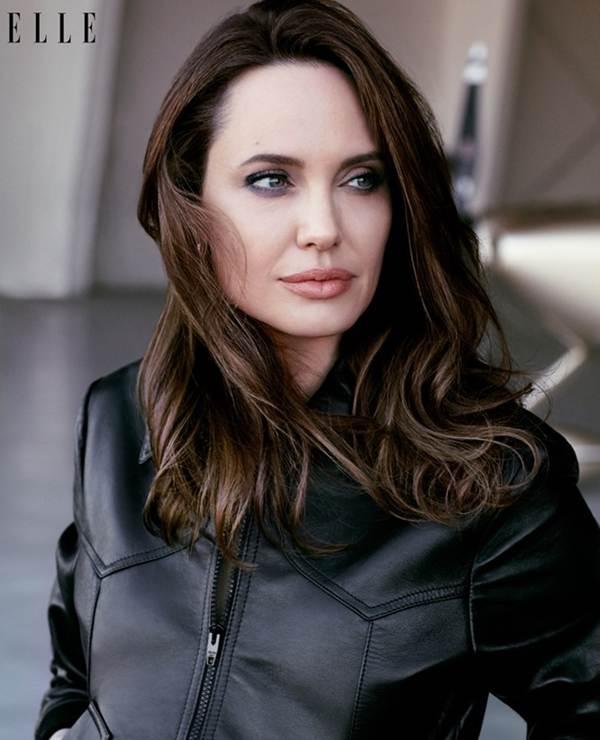 Angelina Jolie 44 tuổi đẹp rạng ngời với thần thái mê hoặc-3