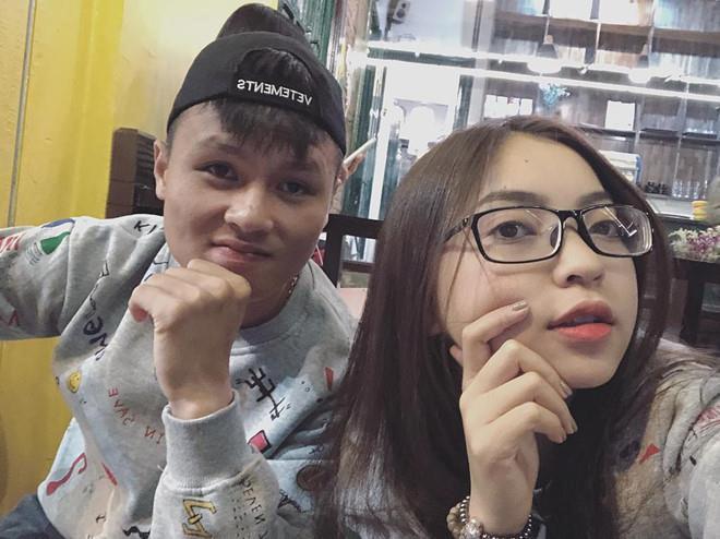 Nhật Lê và Quang Hải đồng loạt bỏ tên phụ liên quan đến người kia trên Facebook: Khẳng định không còn liên quan đến nhau?-2