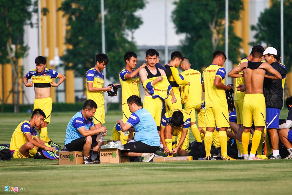 HLV Park mất bình tĩnh với khả năng dứt điểm của tiền đạo U22 Việt Nam-1