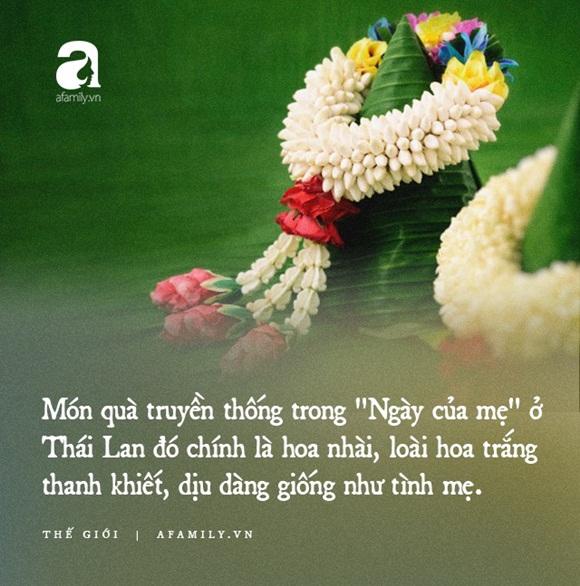 Khi Hoa hậu đội vương miện quỳ lạy cha mẹ: Lòng hiếu thảo của một người con và nét đẹp văn hóa tại đất nước Thái Lan-4