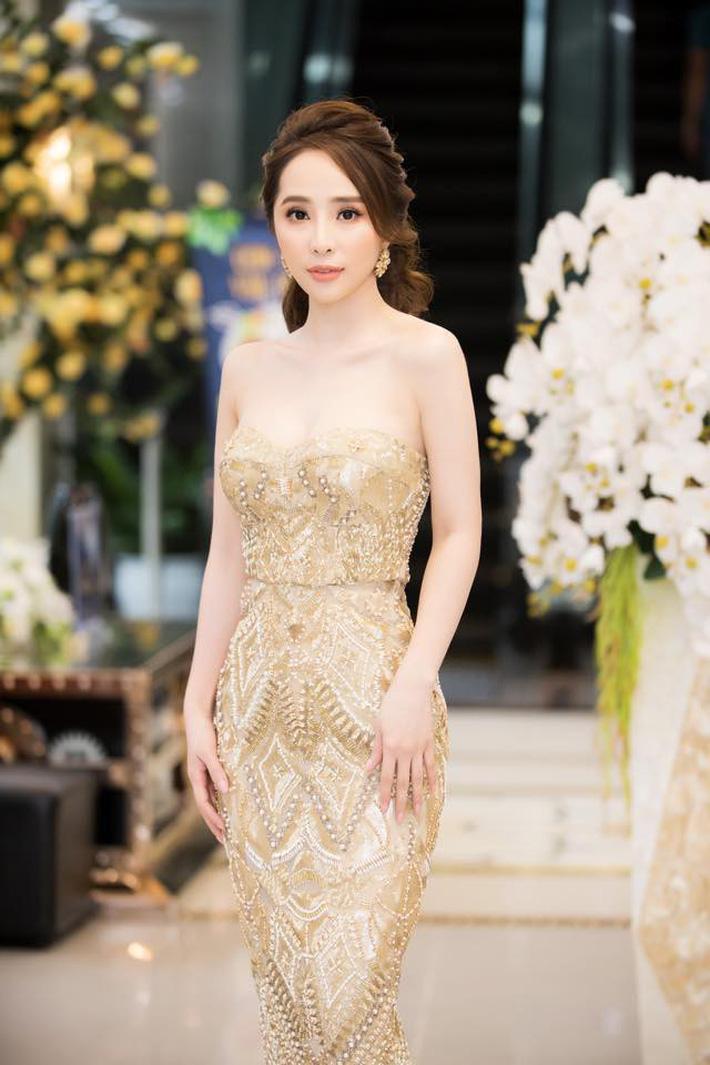 """Tạm biệt style rẻ tiền"""" của Nhã, Quỳnh Nga ngày càng đẹp và sang trọng khiến dân tình xao xuyến-5"""