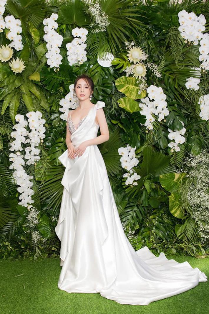 """Tạm biệt style rẻ tiền"""" của Nhã, Quỳnh Nga ngày càng đẹp và sang trọng khiến dân tình xao xuyến-6"""