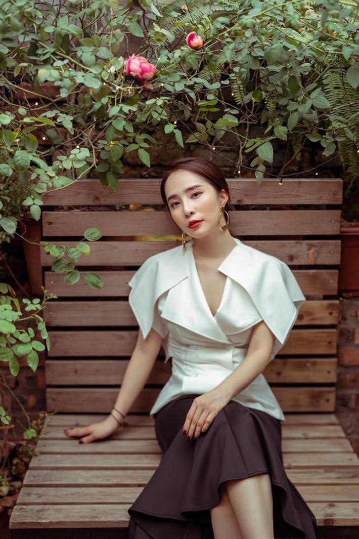 """Tạm biệt style rẻ tiền"""" của Nhã, Quỳnh Nga ngày càng đẹp và sang trọng khiến dân tình xao xuyến-8"""