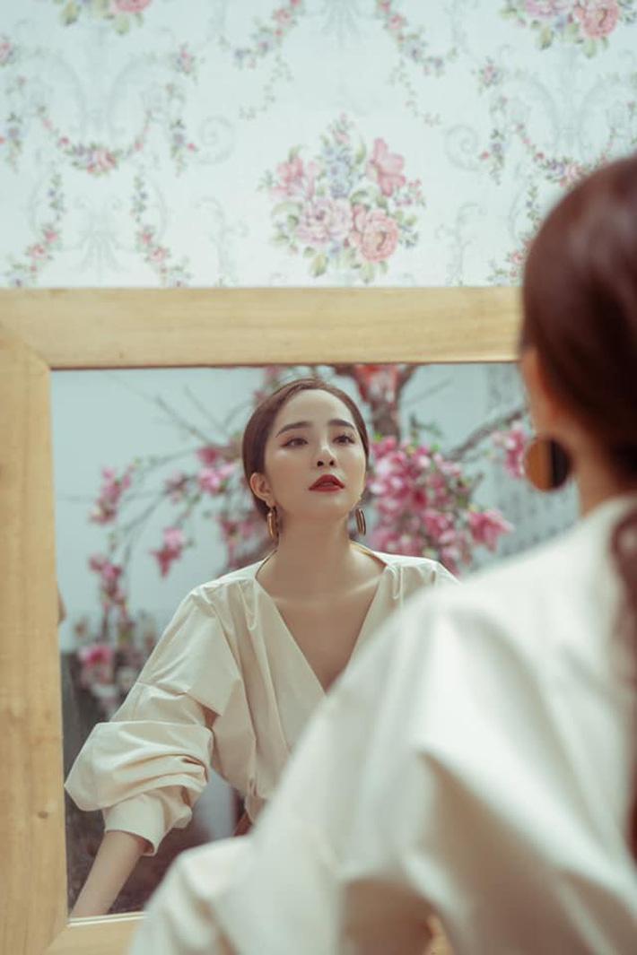 """Tạm biệt style rẻ tiền"""" của Nhã, Quỳnh Nga ngày càng đẹp và sang trọng khiến dân tình xao xuyến-9"""