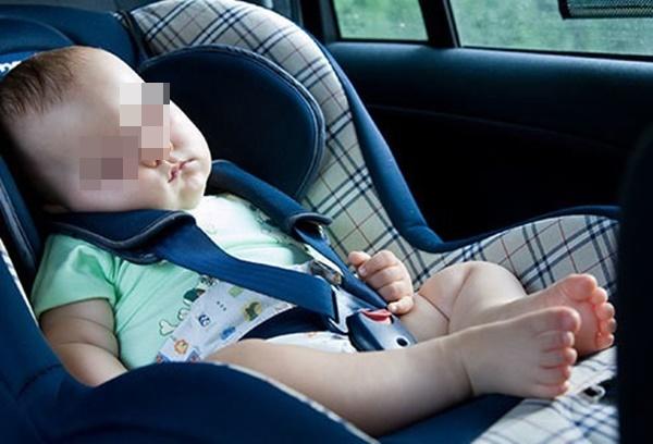 Vụ bé 6 tuổi tử vong nghi do bị trường bỏ quên trên ô tô: Vì sao trẻ có nguy cơ chết ngạt rất cao khi ở trong xe ô tô và cách phòng tránh-1