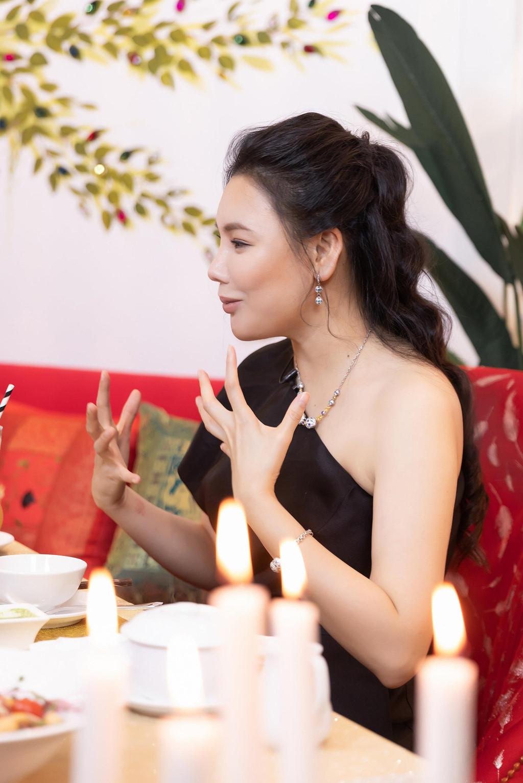 Hồ Quỳnh Hương: Tôi chảnh, rất lụy tình và tiêu tiền không cần đếm!-2