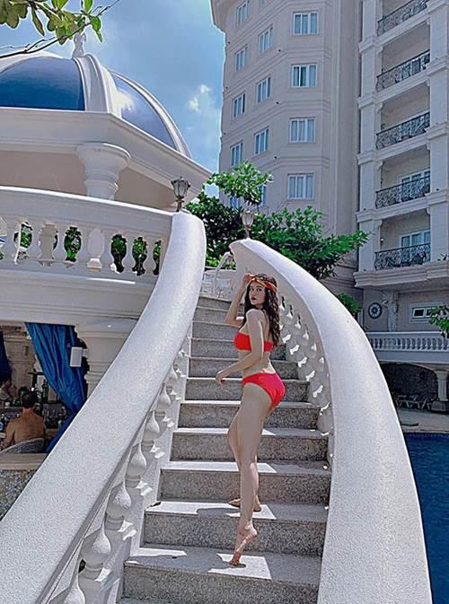 Mẹ một con nào như Trương Quỳnh Anh, cứ diện bikini là dân tình được phen phát sốt thế này-2
