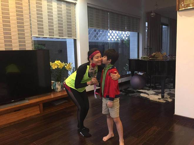 Bị bỏ quên trên xe, bé 10 tuổi Hà Nội sống sót và 9 giờ tìm đường về nhà-8