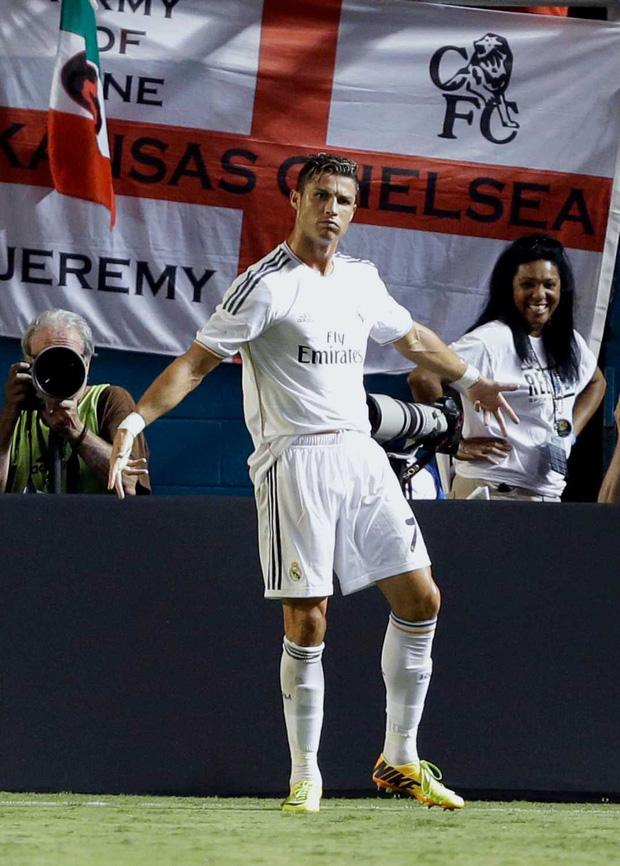 Sau 6 năm sử dụng, cuối cùng Ronaldo đã tiết lộ nguồn gốc của điệu ăn mừng trứ danh được hàng nghìn người yêu thích-2