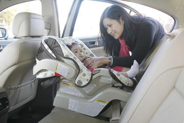 Bỏ quên con gái 11 tháng tuổi chết tức tưởi trong xe hơi, lời giải thích của người mẹ khiến ai cũng giận sôi người-1