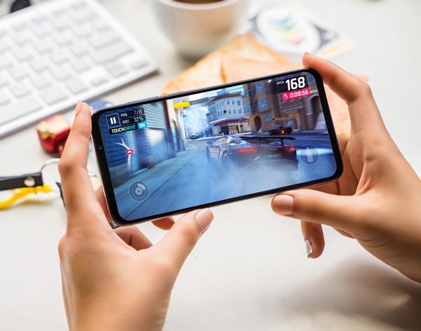Điện thoại thông minh Vsmart thế hệ 2 chuẩn bị 'lên kệ'-9