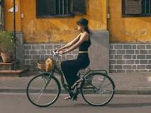 Hoa hậu Tiểu Vy ăn chè đậu đỏ, đạp xe khắp Hội An tìm người yêu ngày thất tịch