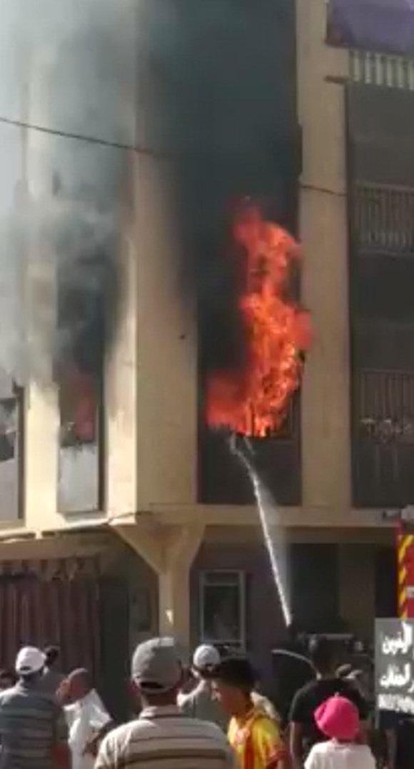 Bị bố mẹ khóa trái cửa trong nhà, bé gái 7 tuổi thiệt mạng vì hỏa hoạn do sạc điện thoại phát nổ-2