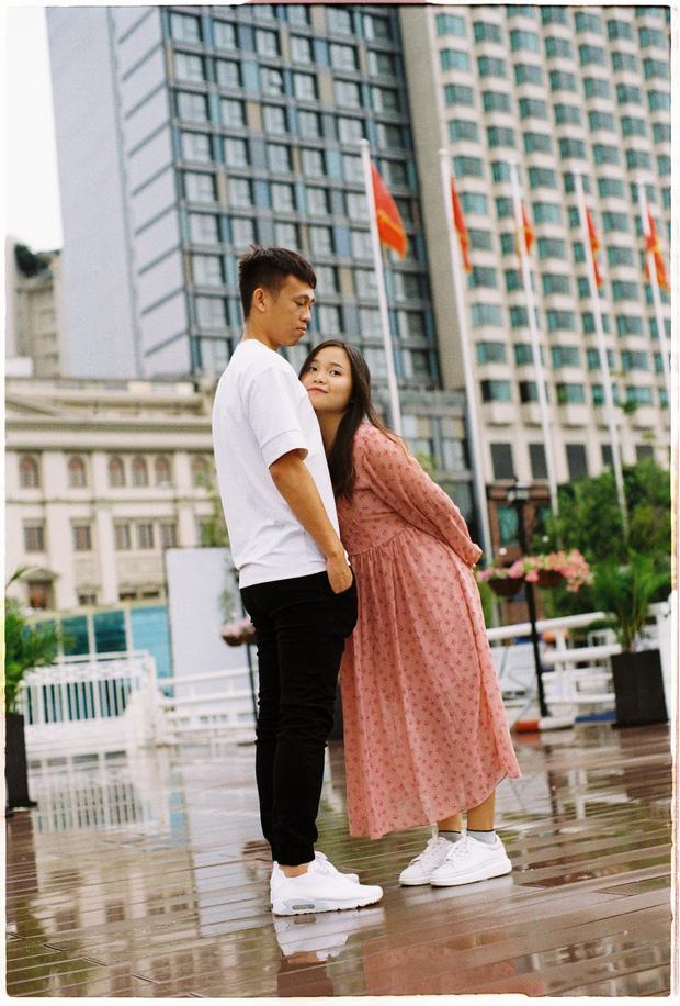 Tuyển thủ U22 Việt Nam khoe tình yêu 5 năm ngọt ngào: Tôi rèn luyện sự kiên trì bằng cách yêu em-5