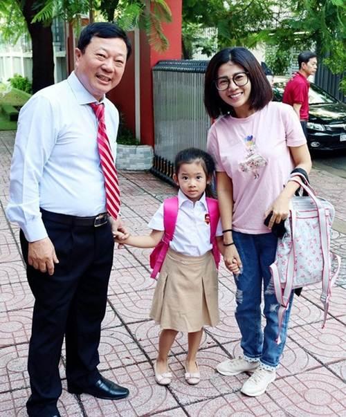 Sao Việt đưa con đi nhập học ngày đầu, tiết lộ toàn các trường quốc tế đắt đỏ-1