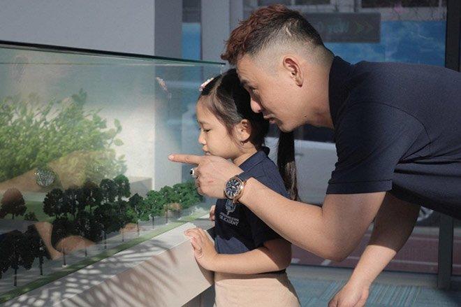 Sao Việt đưa con đi nhập học ngày đầu, tiết lộ toàn các trường quốc tế đắt đỏ-6