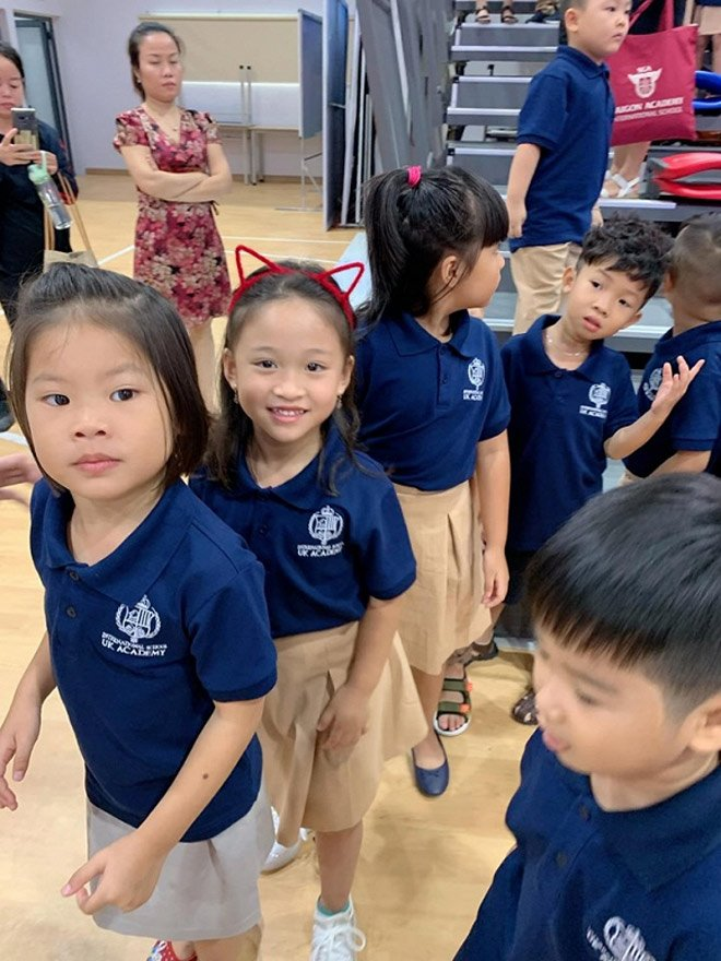 Sao Việt đưa con đi nhập học ngày đầu, tiết lộ toàn các trường quốc tế đắt đỏ-9