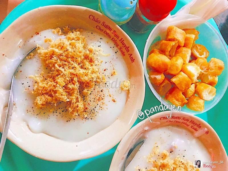 Những hàng ăn ở Hà Nội chỉ mở lúc rạng sáng và nghỉ bán khi mặt trời vừa lên, dù gió rét vẫn tấp nập người qua lại-19