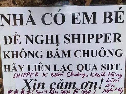 """Không muốn shipper bấm chuông cửa nhà vì sợ làm phiền con, nào ngờ gặp phải giao hàng có tâm để lại lời nhắn """"bao hài"""""""