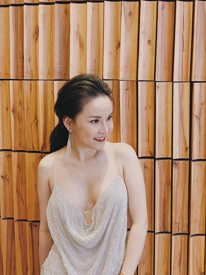 Cuộc sống độc thân của Thu Ngọc Mây Trắng sau khi ly hôn chồng: Xinh đẹp, sang chảnh, đi du lịch như đi chợ-2