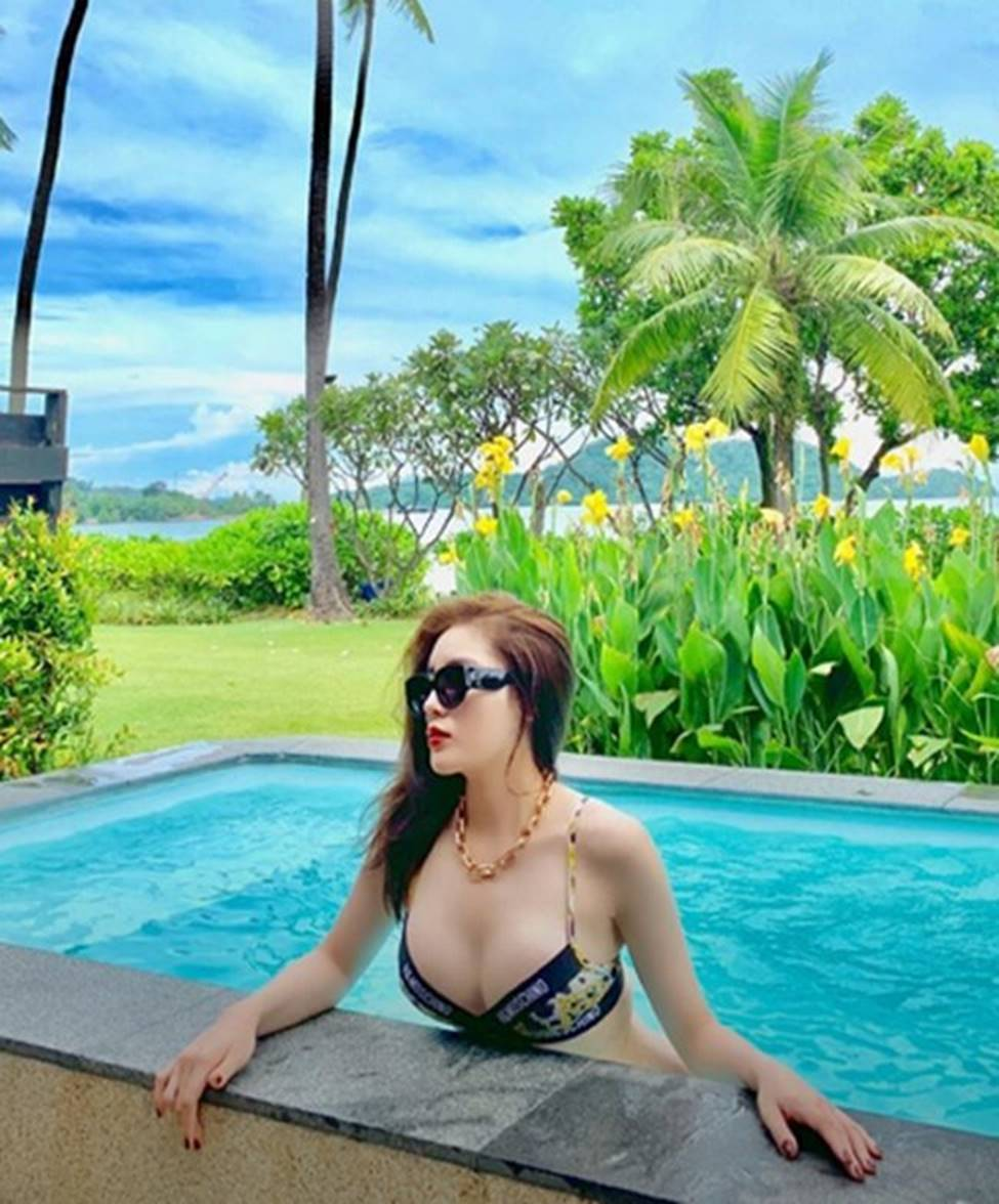 Đọ body nóng bỏng của dàn Hoa hậu xuất thân từ Đại học Ngoại Thương-11