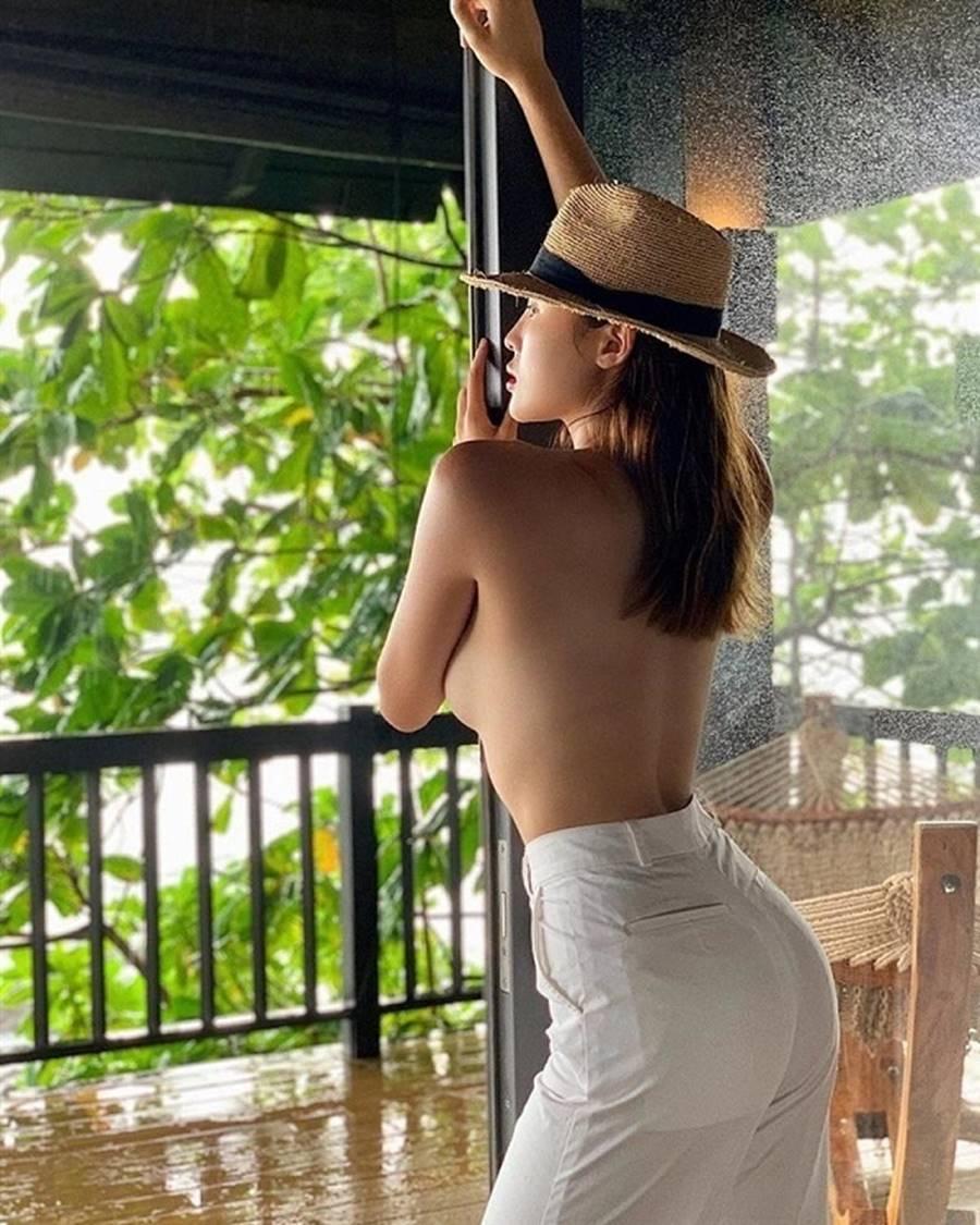 Đọ body nóng bỏng của dàn Hoa hậu xuất thân từ Đại học Ngoại Thương-12
