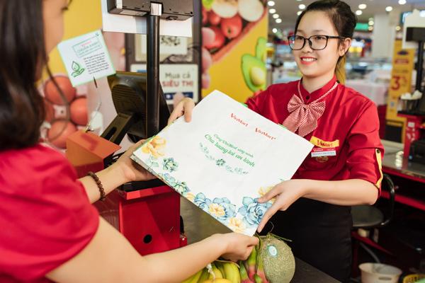 2.200 siêu thị VinMart, VinMart+ đồng loạt hành động '3 xanh' bảo vệ môi trường-1