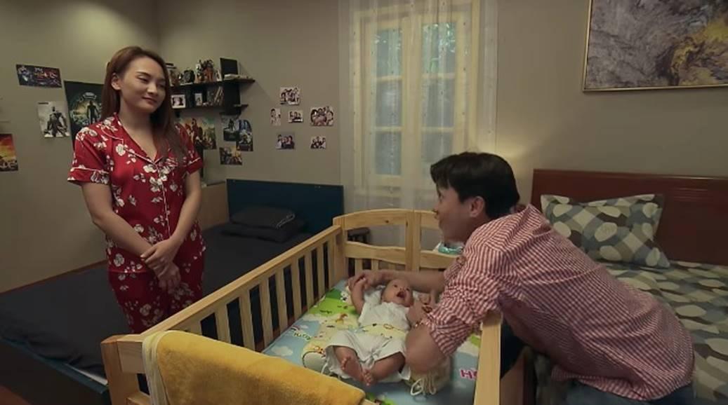 Về nhà đi con tập 84, Vũ lao đến nhà Thư lúc nửa đêm chỉ vì 1 ánh mắt-1