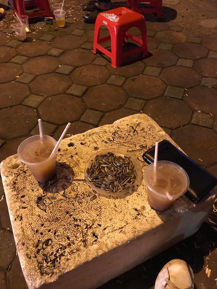 Nhẹ nhàng từ chối uống trà chanh 30k khu nhà hát Lớn, cô gái bị chủ quán tặng cho liên hoàn chửi-2