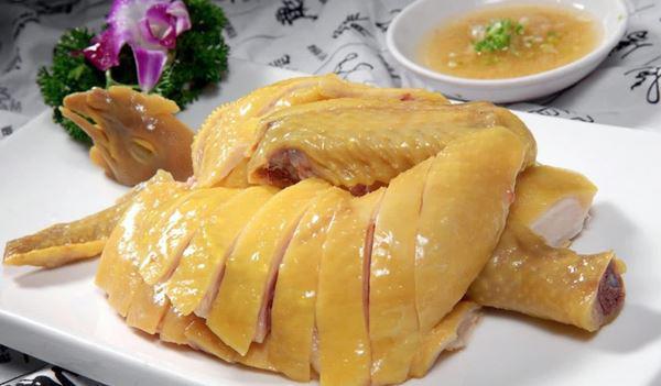 Luộc thịt gà đừng quên bỏ thứ này: Món thịt thơm ngon, đậm vị da giòn sần sật cả nhà thi nhau gắp-2
