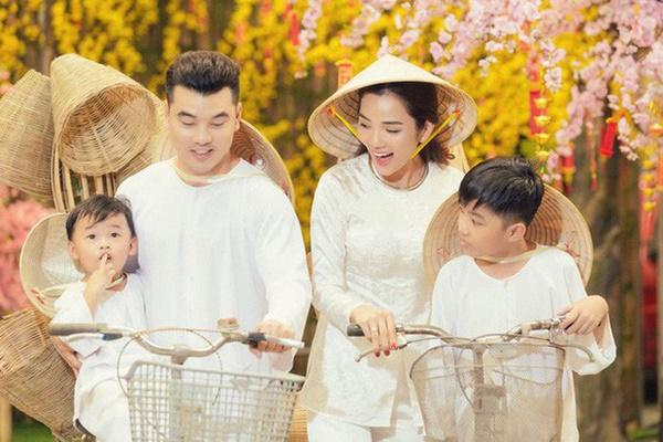 Bà xã Ưng Hoàng Phúc đăng ảnh siêu âm con thứ 3, hạnh phúc khoe mặt giống hệt anh ba Jonny-3