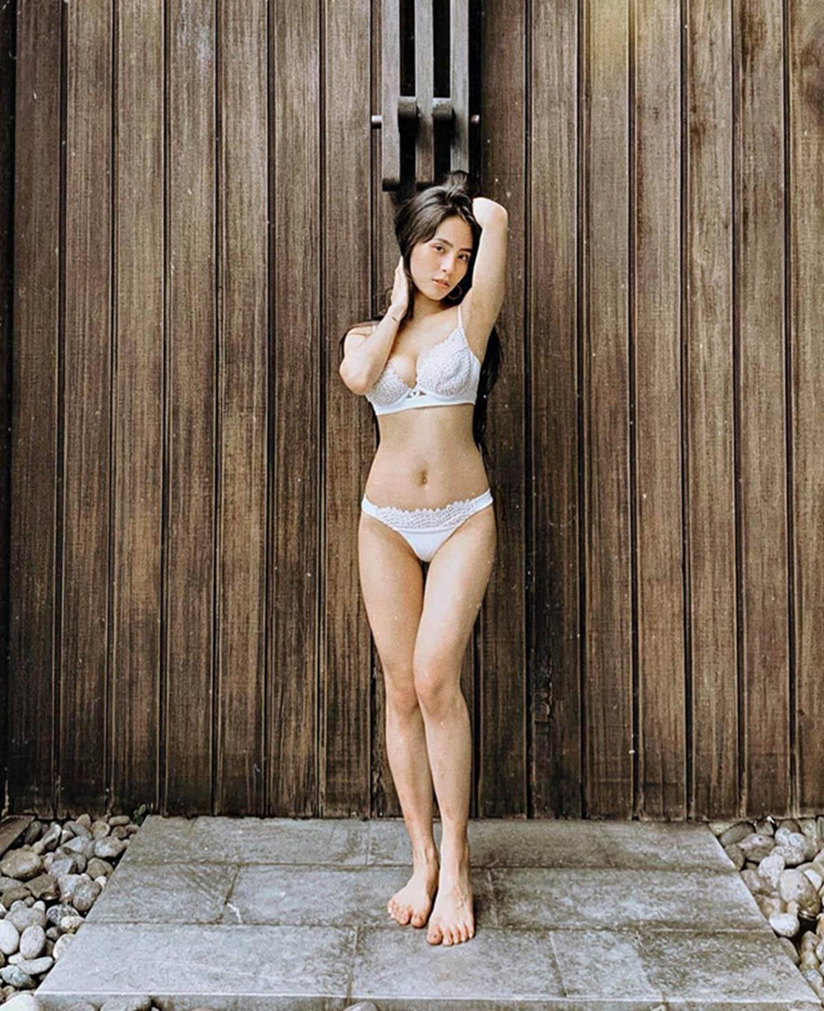 Ca nương Kiều Anh đăng ảnh diện bikini khoe vòng một 90 cm-11