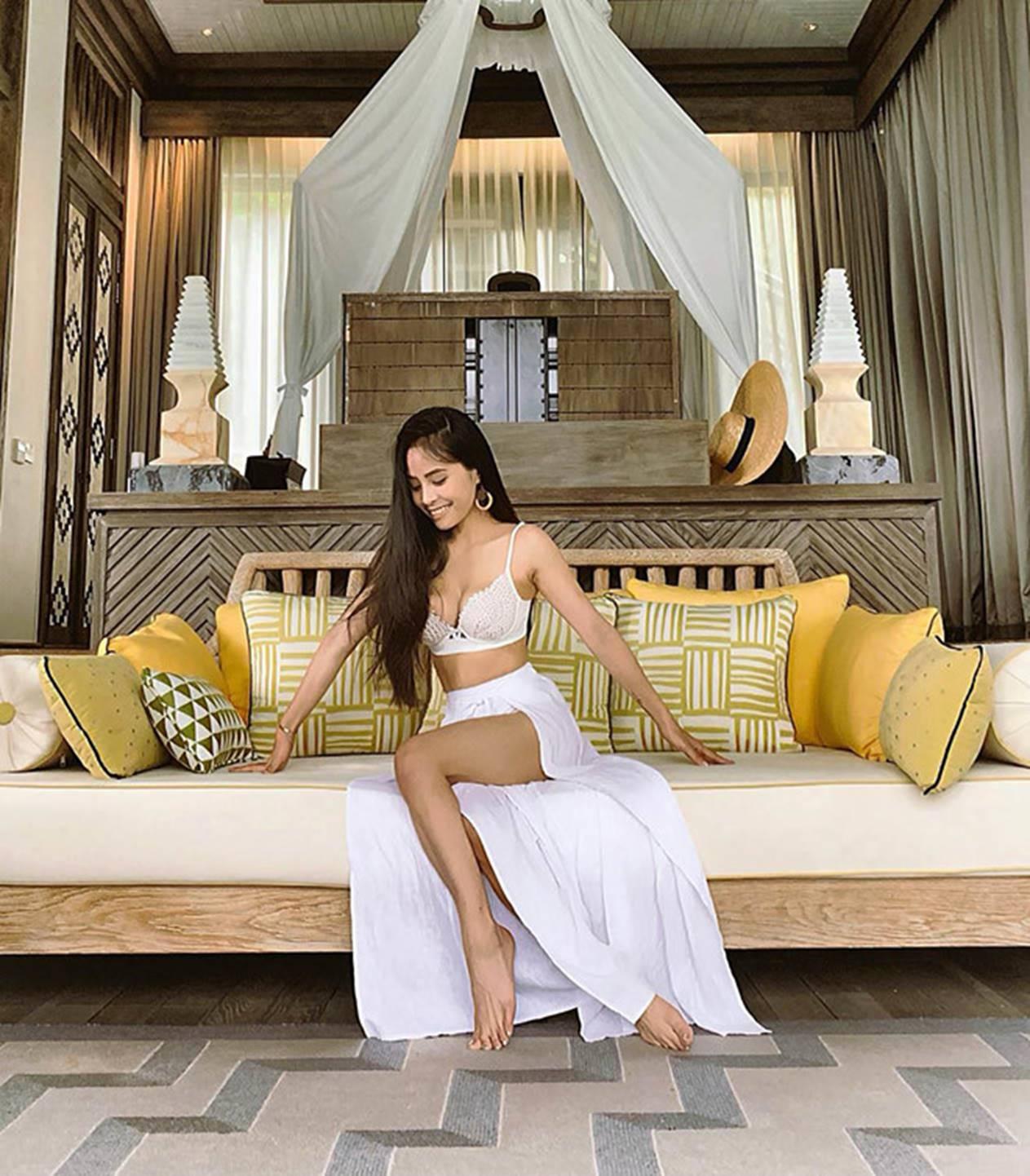 Ca nương Kiều Anh đăng ảnh diện bikini khoe vòng một 90 cm-12