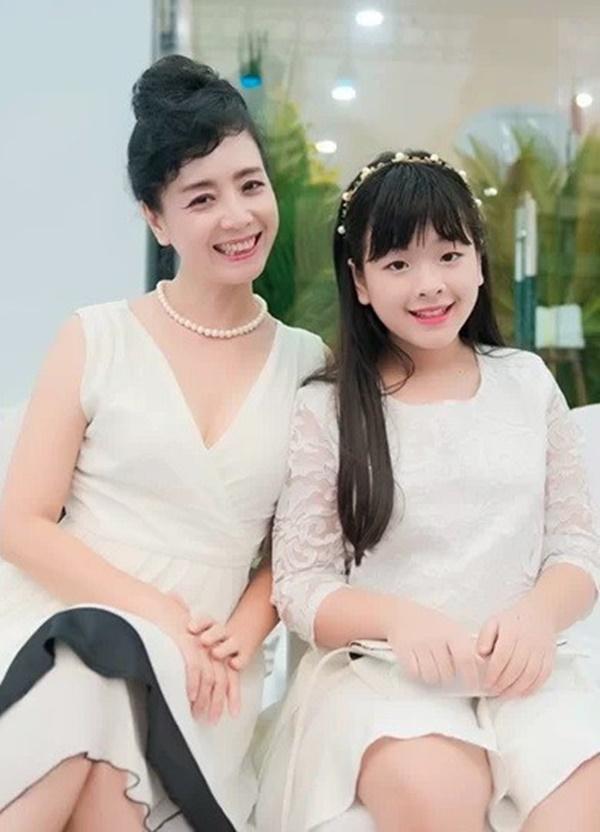 Ngỡ ngàng với diện mạo xinh đẹp của các ái nữ nhà sao Việt: Toàn là những mỹ nhân hàng đầu, sở hữu cuộc sống sang chảnh ai cũng ghen tị-18