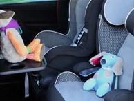 Bỏ quên con trên xe suốt cả ngày trời, đến lúc đi rửa xe, người cha ngã quỵ thấy con gái đã qua đời