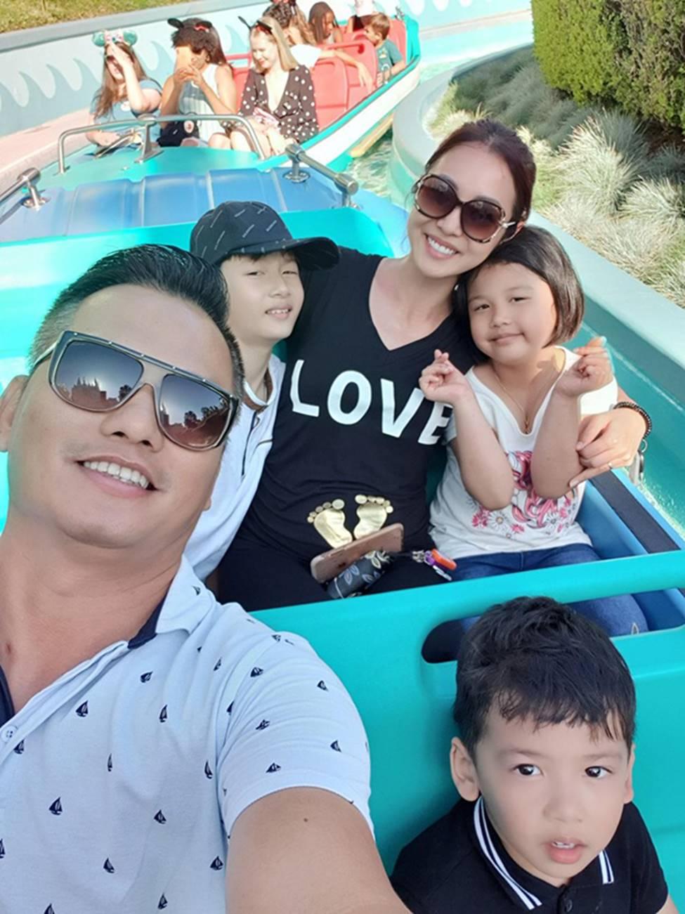 Những bà mẹ 4 con vẫn trẻ đẹp trong showbiz Việt-4