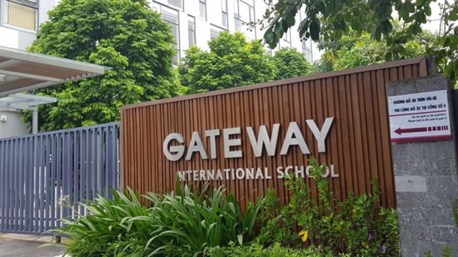 Trường Gateway, Sakura họp khẩn phụ huynh sau vụ học sinh lớp 1 bị tử vong trên xe đưa đón-1