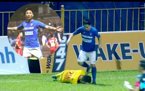 Phẫn nộ tình huống tiền vệ Quảng Ninh giẫm lên đầu cầu thủ Nam Định-1