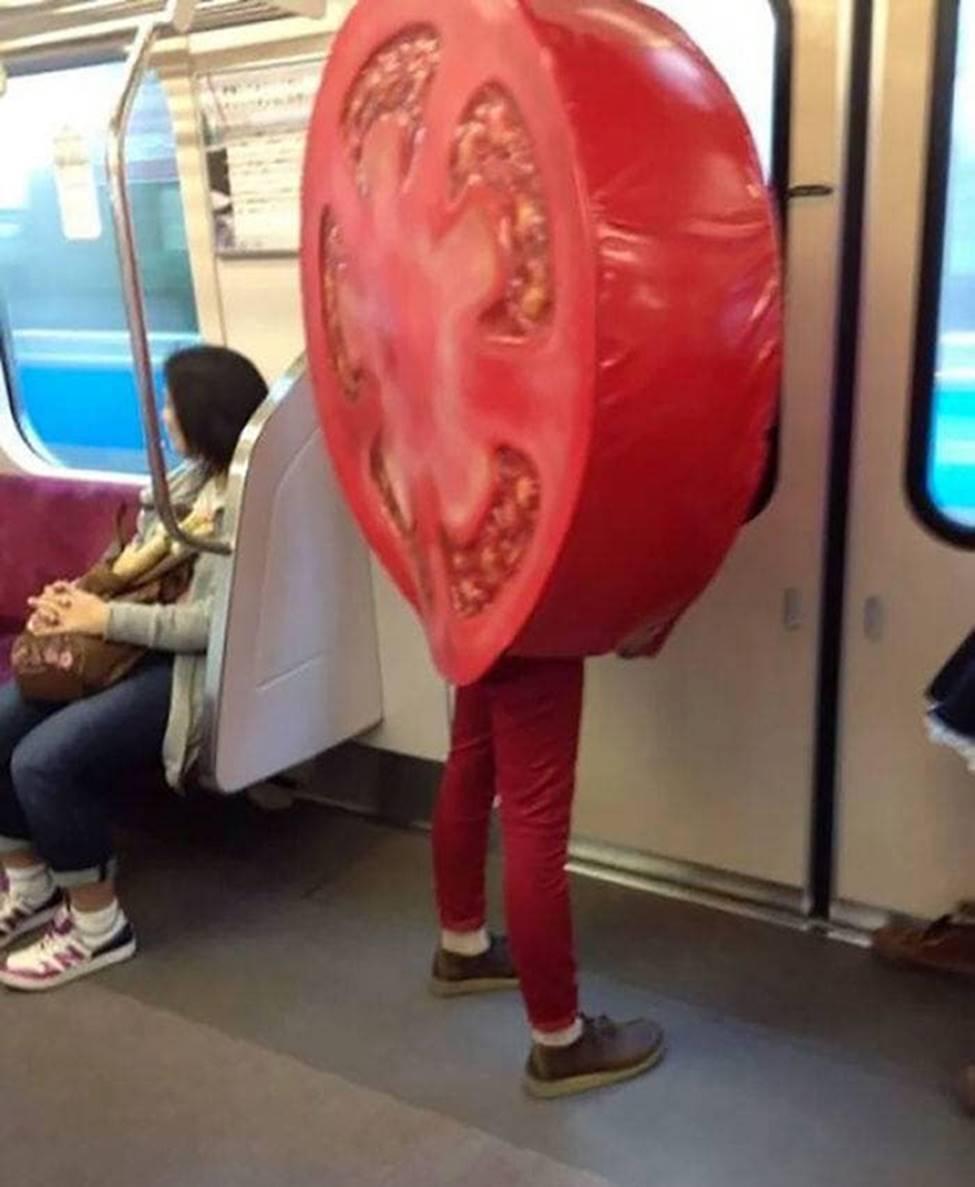 Bắt gặp hình ảnh quái gở chỉ có ở trên tàu điện ngầm-4